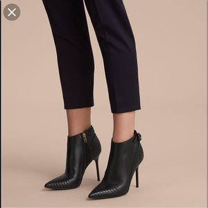 🎊Host Pick🎊•Burberry• Stiletto Ankle boots